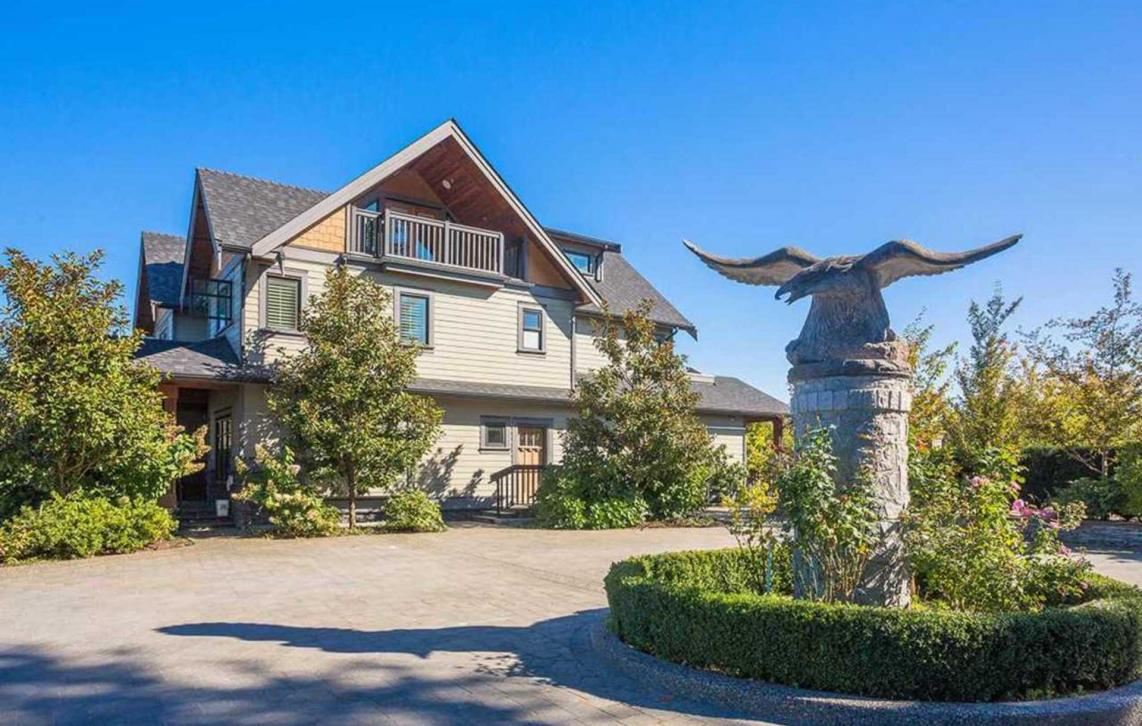 6038 10th Avenue, Big Bend, Burnaby South