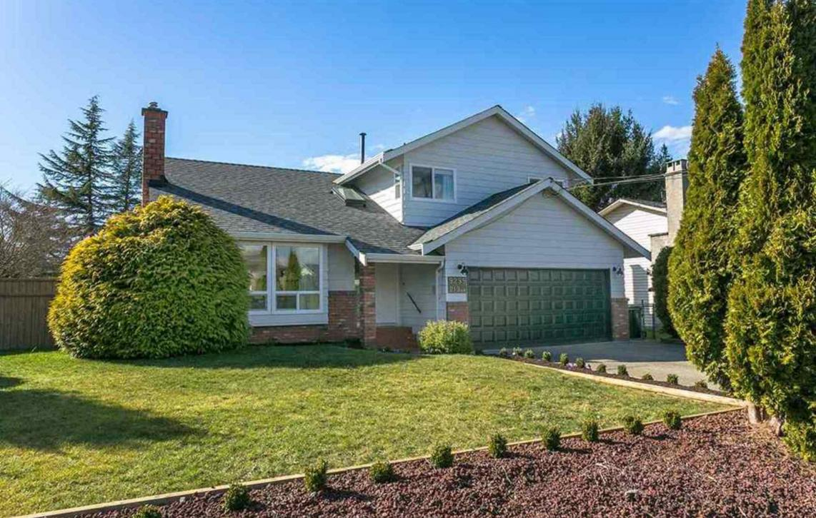 9299 213 Street, Walnut Grove, Langley