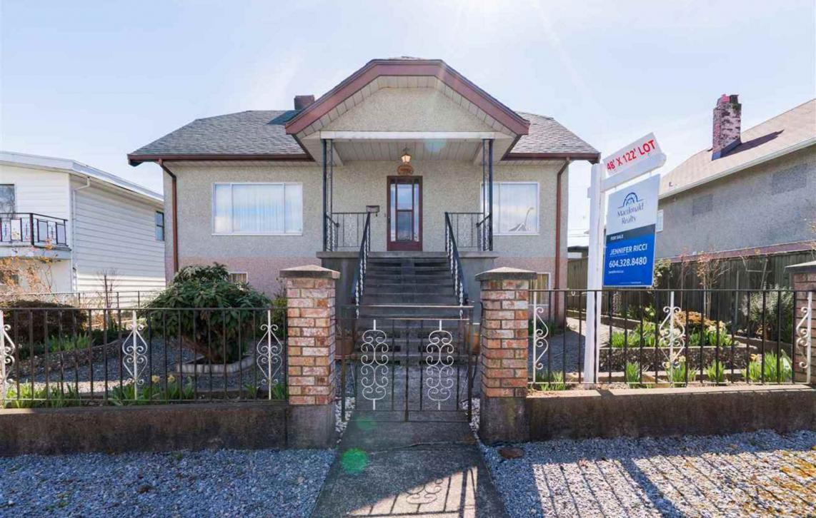 2786 Dundas Street, Hastings East, Vancouver East